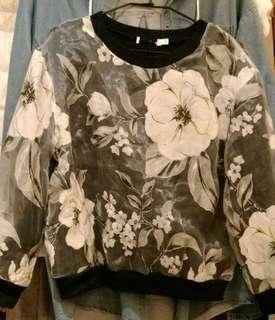 🚚 外層蕾絲黑上衣M-L號 #半價衣服市集