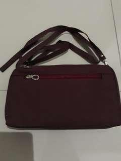 Tas dompet warna marun