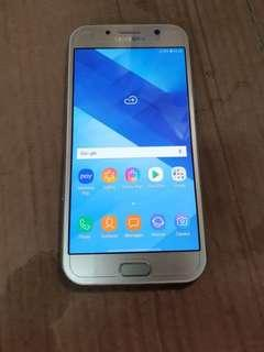 Samsung A7 2017 sme like new