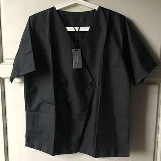 (NEW) This is April Top Black