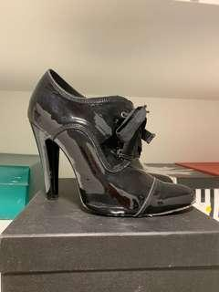 Wayne Cooper Ankle Booties Size 39