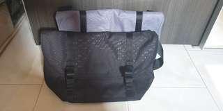 🚚 AX/ Armani Exchange Allover Logo Messenger Bag (LEFT GREY)
