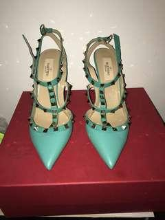Brand New Pair of Valentino Rockstuds in size 8.5