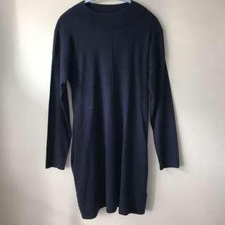 Jack wills knitted dress! Navy in color, very elegant autumn dress 斯文裙