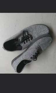Selling H&M sneakers Grey
