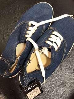 🚚 Cotton on Rubi denim canvas shoes