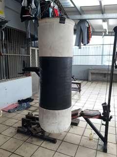 🚚 punching bag (90cm.x30cm),boxing gloves(8oz)
