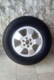 Nisan Navara Spare Tire and Mags