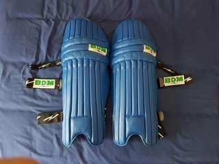 Blue BDM cricket batting pads (adult)