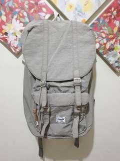 Pre-loved HERSCHEL Large Backpack
