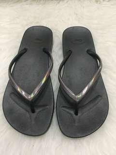 Orig Gap slippers