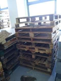 🚚 Wood pallets AROUND 70 pcs for $20 COLLECT AT WOODLANDS E1