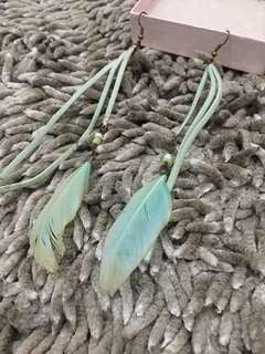 Tosca Feather Earring / Anting Bulu / Bangkok