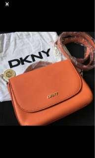 🚚 Authentic DKNY Crossbody Bag. Brand new