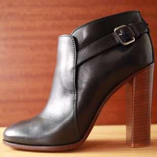 Celine 經典小牛皮粗跟 實木高跟 踝靴