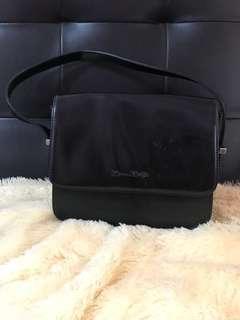 Brown buffel hand bag