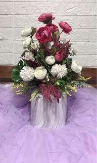 🚚 Artificial Flowers Arrangement