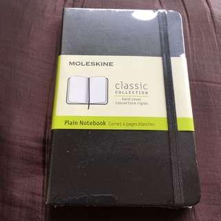 Moleskine Plain Notebook Classic Collection Hard Cover Couverture rigide