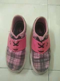 PUMA sport shoes