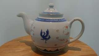 罕見花紋的青花玲瓏茶壺
