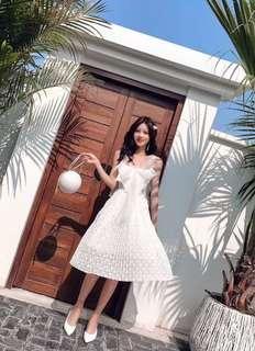 🚚 Gisele White Dress