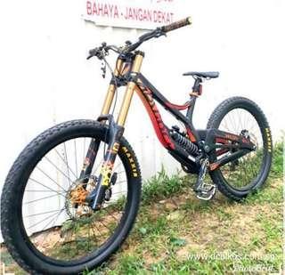 🌟 Devinci Wilson SL Half Carbon Downhill Mountain Bike MTB DH