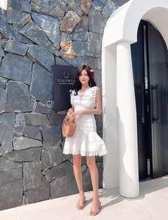 🚚 Phoebe White Dress
