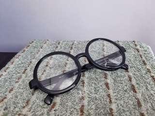 #MakeSpaceForLove Round Plastic Frame Thick Frame Glasses (Black)