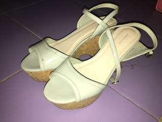 Wedges Urban n Co