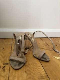 Billing clear heels nude size 7