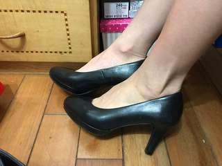 🚚 上班用跟鞋 二手 7.5公分高跟鞋 全黑 櫃姐秘書鞋 鞋全家福