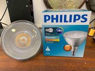Philips essential LED spot 2700k warm white E27 IP65