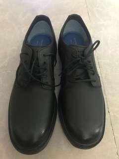 Skechers皮鞋 Shoes