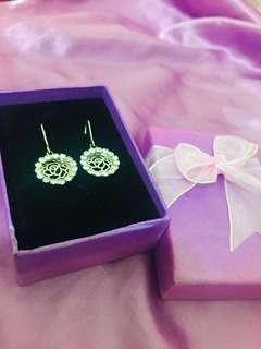 🚚 全新-新加坡購入玫瑰耳環