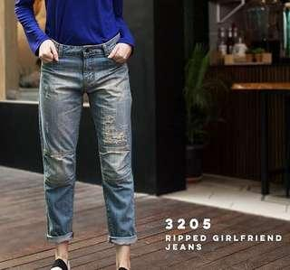 Dust ripped jeans