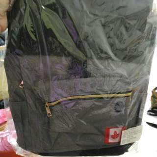 含運只收700,不換物) 新款大容量多功能後背包,手可提/可双肩背