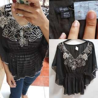 Top Batwing Hitam