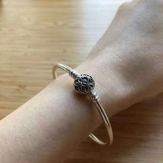 [25% off,NEW] Pandora silver charm bangle 純銀手鈪