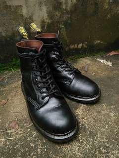 Dr. Martens 1460 black smooth quilon leather