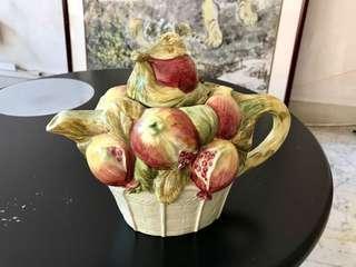 """""""Fruit"""" tea pot"""