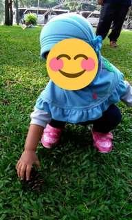 Kerudung atau jilbab bayi