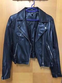 H&M 全黑仿皮外套 black faux leather jacket