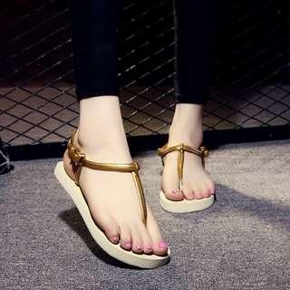 🚚 Champagne sandal size 35 and 37