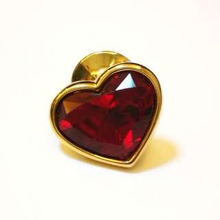 🆕 Exquisite Swarovski Single Ruby Red Facet Heart Crystal in Gold Tone Deluxe Lapel Pin