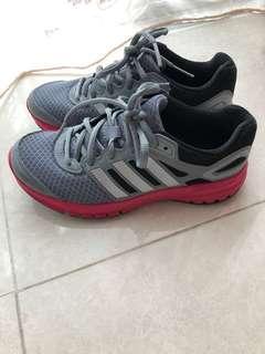 Adidas 女裝波鞋