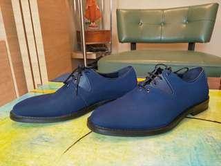 🚚 Navy blue, business shoes from Pedro