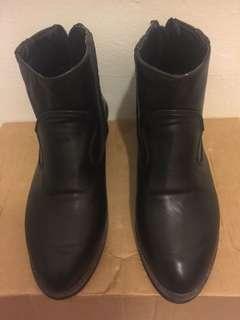🚚 黑色短筒靴