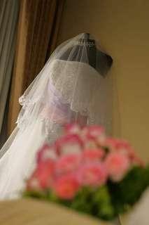Wedding Gown (Read description box & see all photos)