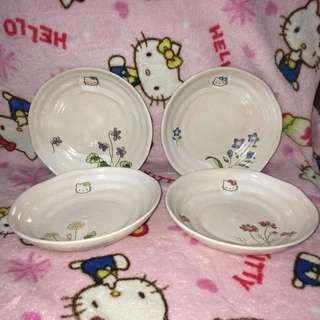 Hello Kitty Ceramic Plate (Set of 4 designs)