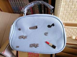 淺藍色手提小包包